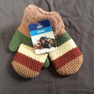 NWT kids mittens